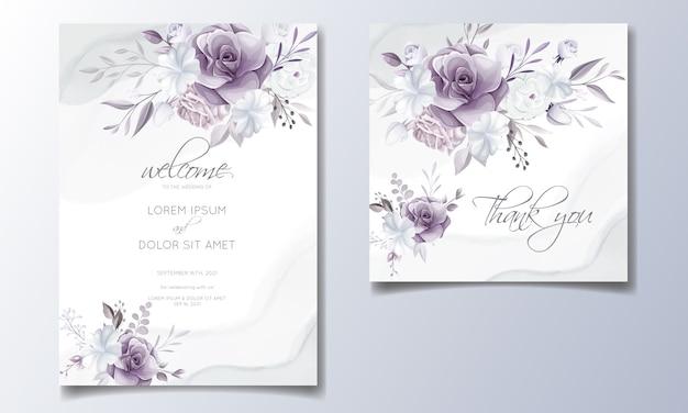 Elegante hochzeitseinladungskarte mit schönen lila und weißen blumen