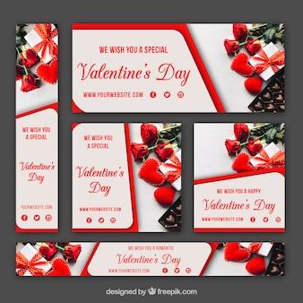 Eleganter Satz Fahnen und Karten für Valentinsgruß