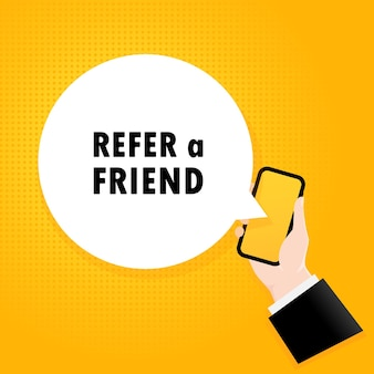 Empfehle einen freund. smartphone mit einem blasentext. poster mit text empfehlen sie einen freund. comic-retro-stil. sprechblase der telefon-app.