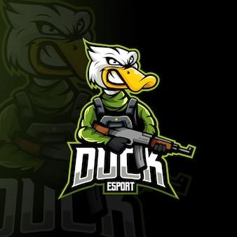 Entenkarikatur-maskottchen-logo-designvektor mit moderner illustrationskonzeptart für abzeichen-, emblem- und t-shirt-druck. angry duck bringt ak-47 gewehr für team, e-sport oder gaming