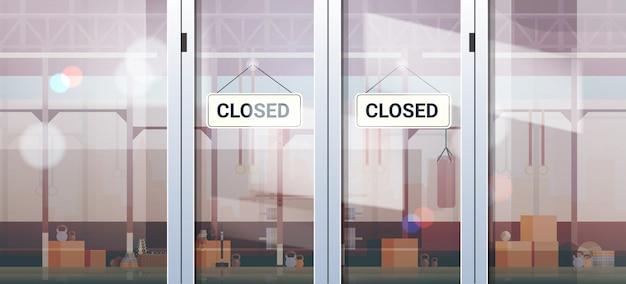 Entschuldigung, wir haben ein geschlossenes schild, das außerhalb der quarantäne der sporthalle coronavirus pandemie hängt