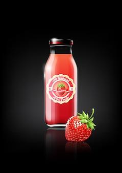 Erdbeersaft in einer glasflasche