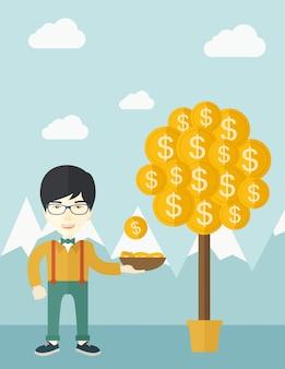Erfolgreicher chinesischer stehender geschäftsmann beim abfangen einer dollarmünze.