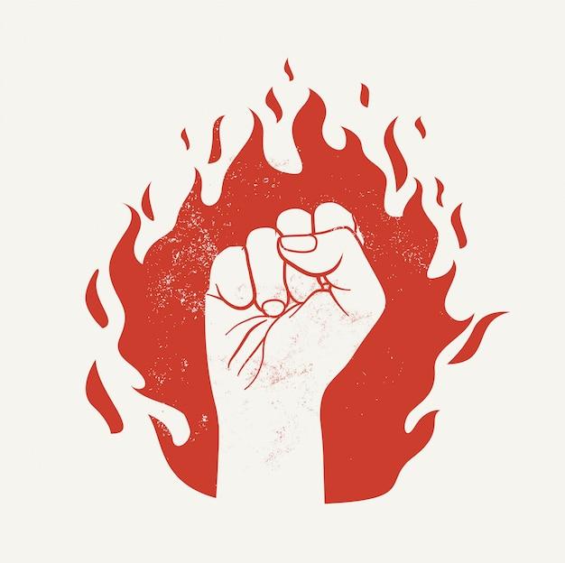 Erhöhte faust auf roter feuerflammensilhouette. protestdemonstration oder machtkonzept.