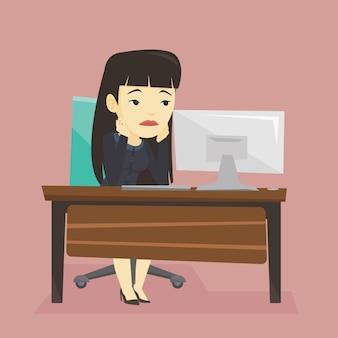 Erschöpfter trauriger angestellter, der im büro arbeitet.