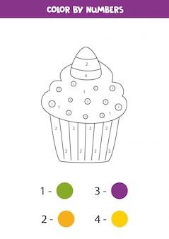 Färben niedlichen halloween-süßigkeiten-cupcake durch zahlen. mathe-spiel.