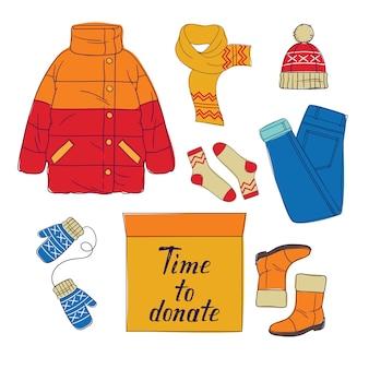 Färben sie flache art illustration von weiblicher warmer kleidung und von karton-kästen voll material. winterkleidung als spende.