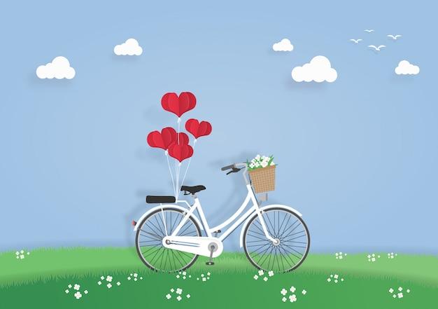 Fahrrad auf der wiese oder im garten