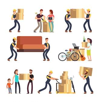 Familie, die in neues haus umzieht. mann, frau und angestellte, welche die kästen und schweren möbelvektorcharaktere eingestellt tragen