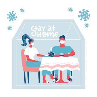 Familie, die zu hause am tisch sitzt und sich vor viren versteckt. bleiben sie während der coronavirus-epidemie zu hause. covid-19-ausbruch, quarantänekonzept. virus außerhalb der silhouette des hauses. flache illustration