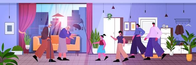 Familie mit mehreren generationen, glückliche großeltern, eltern und kinder, die zeit miteinander verbringen, wohnzimmerinnenraum in voller länge horizontale vektorillustration