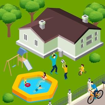 Familienhaus mit spielender familie