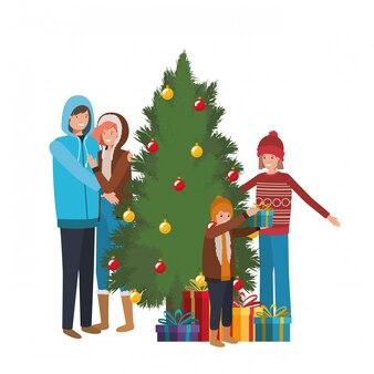 Familienmitglieder mit weihnachtsbaum