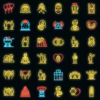 Familienmomente icons set. umrisse von familienmomenten vektorsymbolen neonfarbe auf schwarz