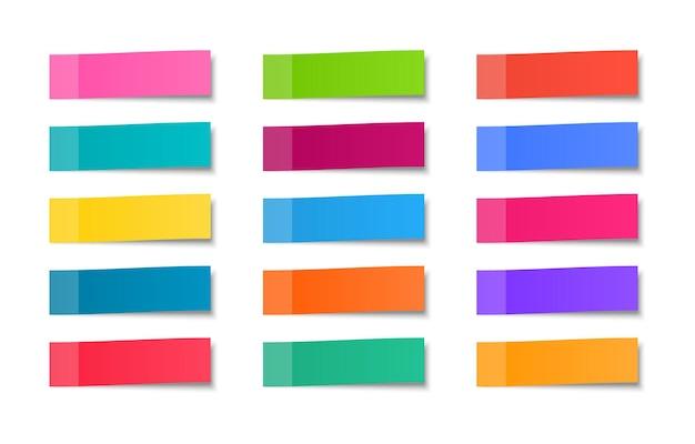 Farbige aufkleber gesetzt. haftnotizen. realistische briefpapiere.