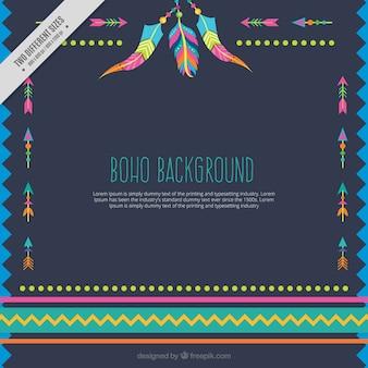 Farbige hintergrund mit pfeilen und federn in boho-stil