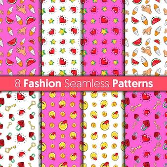 Fashion seamless patterns set. herzen, hände, geld, sterne und süßigkeiten modehintergründe im retro-comic-stil