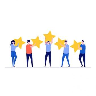 Feedback- oder bewertungsillustrationskonzept mit zeichen. glückliche menschen, die fünf sterne über ihren köpfen halten.