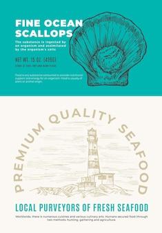 Feine meeres-meeresfrüchte. abstraktes vektor-verpackungsdesign oder etikett. moderne typografie und handgezeichnete jakobsmuschel-skizzen-silhouette mit sea lighthouse hintergrund-layout.