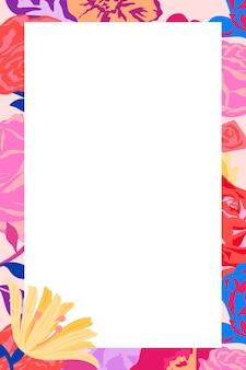Femininer floraler rechteckrahmen mit rosa rosen auf weißem hintergrund