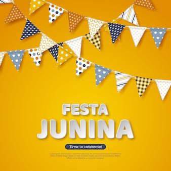 Festa junina urlaub design. papierschnitt-artbuchstaben mit flaggenflagge auf gelbem hintergrund. vorlage für brasilianische oder lateinische festival, party, vektor-illustration.