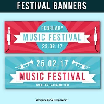 Festival-banner mit trompeten und stecker