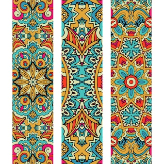 Festlicher bunter dekorativer ethnischer fahnensatz des vektors