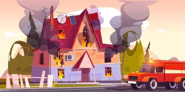Feuerwehrauto am brennenden vorstadthaus des hauses in der flamme mit langen zungen
