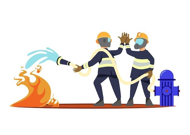 Feuerwehrleute im flachen design, die ein feuer löschen