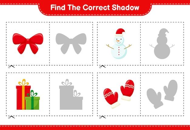 Finde den richtigen schatten. finden und passen sie den richtigen schatten der weihnachtsdekoration an. pädagogisches kinderspiel