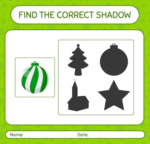 Finden sie das richtige schattenspiel mit weihnachtsschmuck. arbeitsblatt für kinder im vorschulalter, aktivitätsblatt für kinder