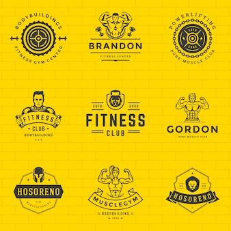 Fitness-logos und abzeichen entwerfen sportausrüstung und leute setzen vektorillustration.