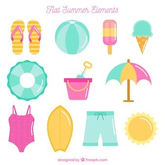 Flache auswahl von sommerobjekten in pastellfarben