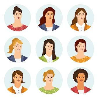 Flache avatare der frauen mit lächelndem gesicht