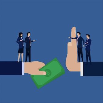 Flache geschäftsmannkorruption des geschäfts geben dem manager geld, der ablehnt.