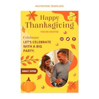 Flache thanksgiving-einladungsvorlage