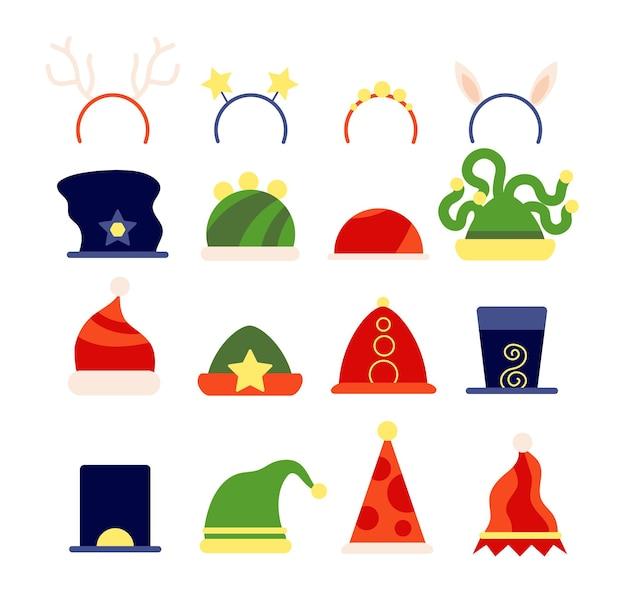 Flache weihnachtsmützen. elf-weihnachts-accessoire, santa-party-kostümkleidung und rehhaarreifen. isolierte urlaub magic photo booth requisiten vektor-set. illustration weihnachtsmann-hirsch und zwerg-stirnband
