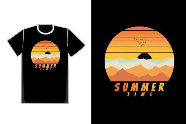 Flacher sommerhimmelgebirgsnatur-sonnenuntergangsvektor des t-shirts