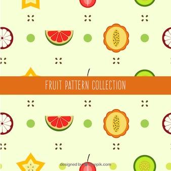 Flaches muster mit scheiben von früchten