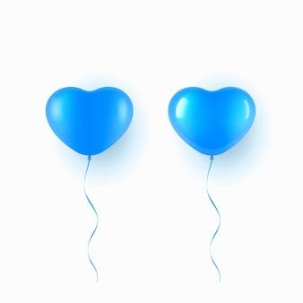 Fliegender blauer ballon in der herzform über weißem hintergrund