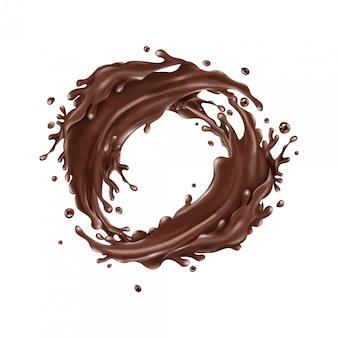 Flüssige schokoladenspritzer kreisen auf einem weißen hintergrund