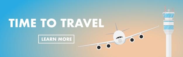 Flugzeug entfernen sich im flughafen mit flugsicherungsturm