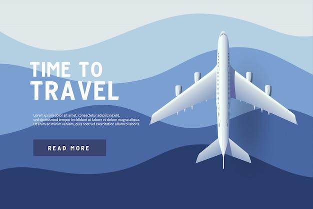 Flugzeug fliegt über den ozean