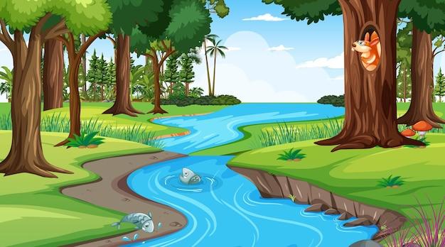 Fluss durch die waldszene bei tag