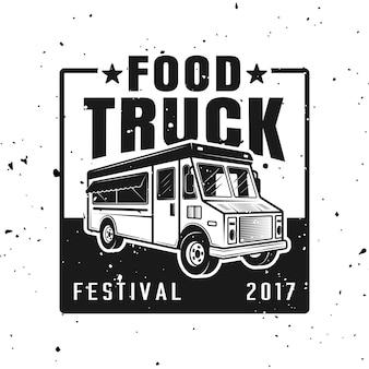 Food truck festival vektor emblem, abzeichen, etikett, aufkleber oder logo im vintage-stil isoliert auf weißem hintergrund mit abnehmbaren texturen