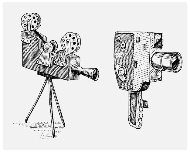 Fotofilm oder filmkamera vintage, graviert, hand gezeichnet in skizze oder holzschnitt-stil, alt aussehende retro-linse, realistische illustration