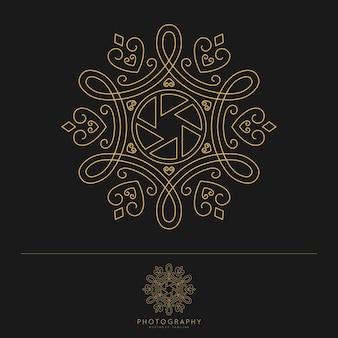 Fotografie logo design vorlage. schöner und klassischer strichgrafikstil