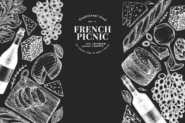 Französische lebensmittelillustrationsschablone. hand gezeichnete picknickmahlzeitillustrationen auf kreidetafel. verschiedene snacks und weine im gravierten stil.