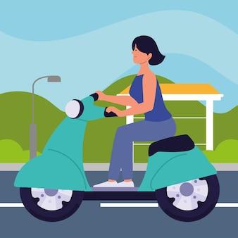 Frau auf dem elektrischen transport des motorradrollers