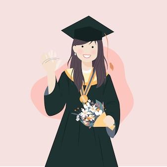 Frau, die abschlusskleid robe und akademische kappe mit medaille und zertifikat lächelnd und winkende hand trägt
